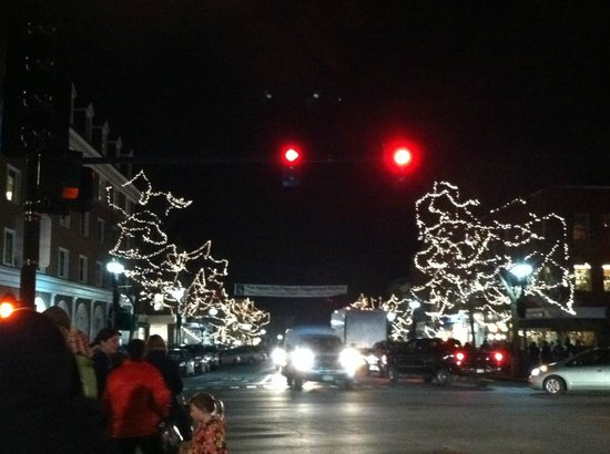 Dartmouth College: Downtown Hanover during the holidays