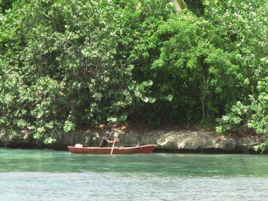 Grand Paradise Samana: Pêcheur La Playita