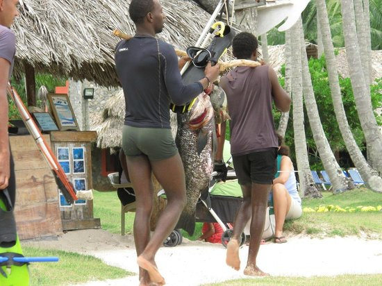 Grand Paradise Samana: Pêcheur à l'hôtel