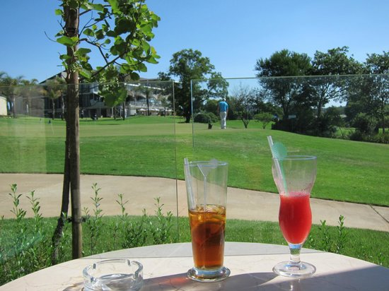 The Fairway Hotel, Spa & Golf Resort : Nice drinks...