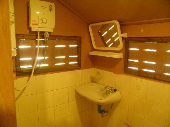 Amity Bungalow : Bathroom