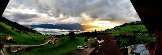 Hotel Jaegerhof: panorama of sunrise
