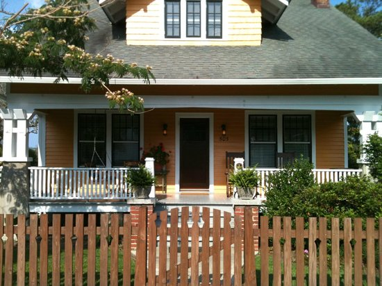 "Croatan Cottage - Part of ""The Roanoke Island Inn"""