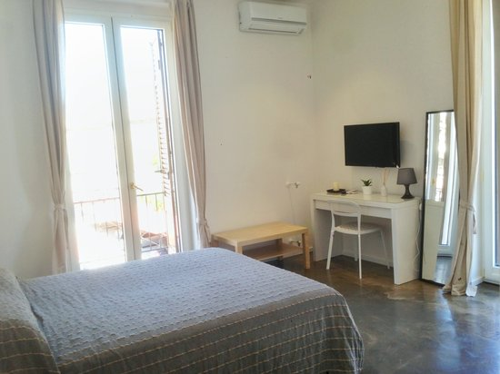 Palermo Rooms - Bed and Breakfast: getlstd_property_photo