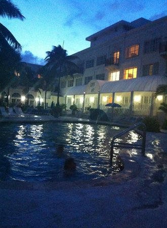 The Savoy Hotel & Beach Club: Pool area at night