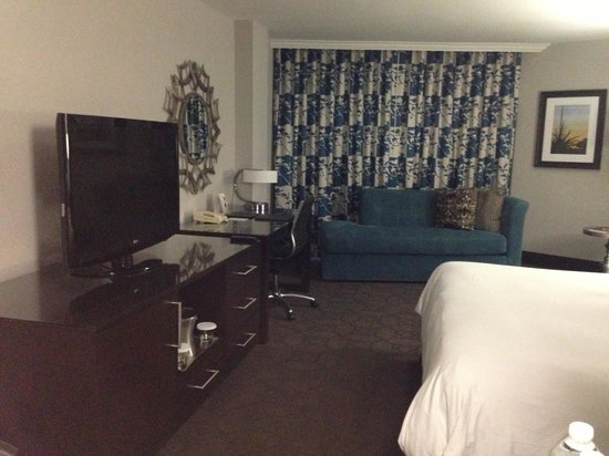 Hilton Arlington: Another pic of our room