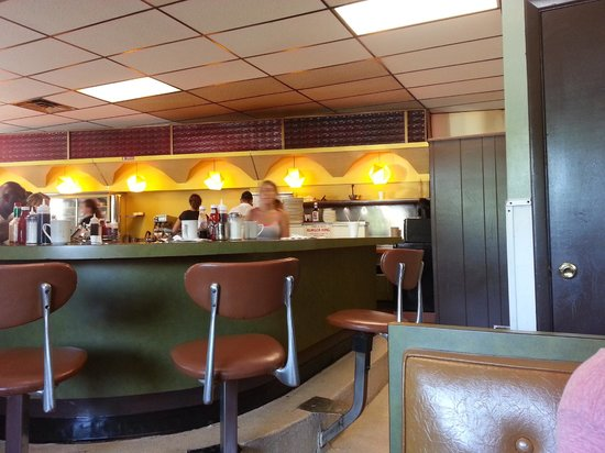 The Why Coffee Shop: classic retro diner!