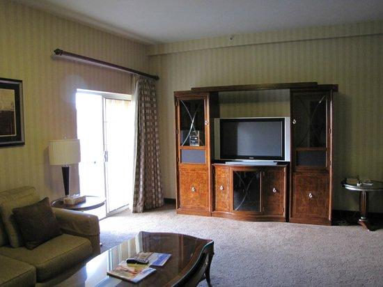 Eureka Casino Resort: living room