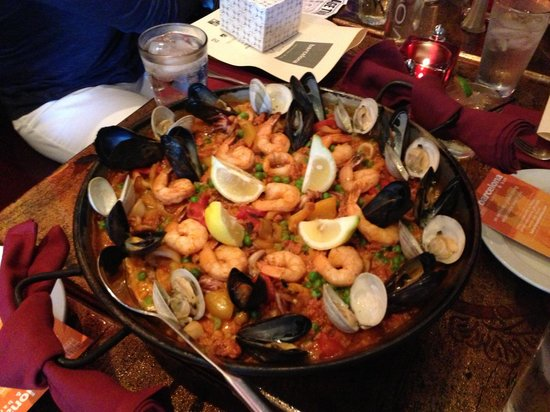 Columbus Food Adventures: Paella at Barcelona...yummy!