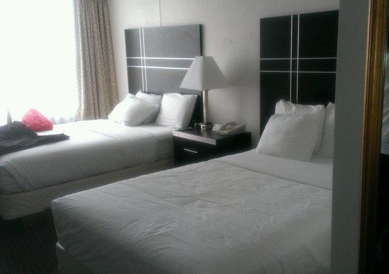 Penrose Hotel: beds