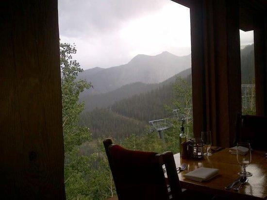 Allred's Restaurant: Table on the window