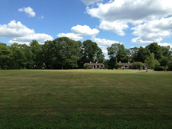 Crescent Lodge & Country Inn: View from Edgewood