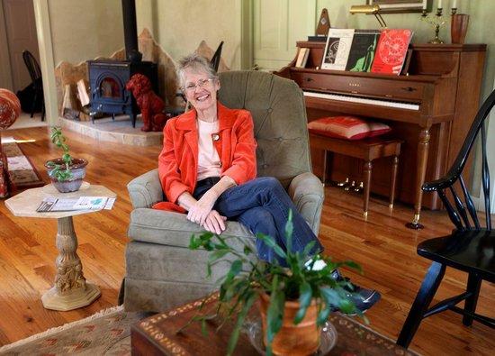 Harding's Corner: Host Sara Harding