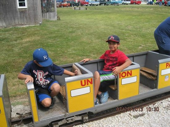 National Agricultural Center and Hall of Fame : riding train