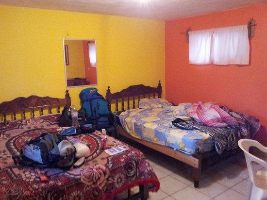 Hotel Plaza Chihuahua: Interior do apartamento