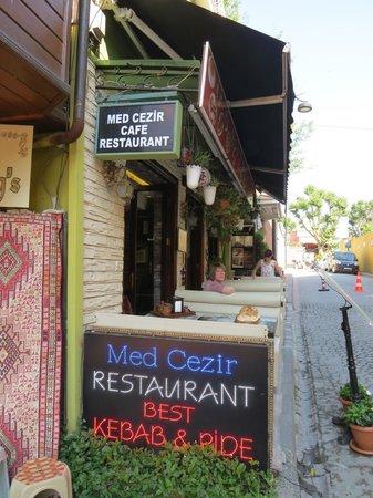 Med Cezir Hotel: breakfast area and restaurant