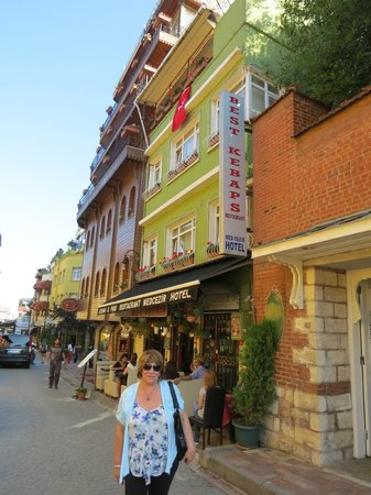 Med Cezir Hotel: hotel and surrounding buildings