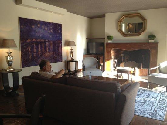 Hotel Le Vallon de Valrugues & Spa : Prestige Suite Living Room
