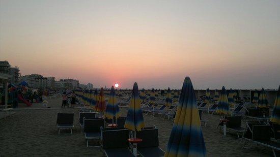 Tramonto Visto dall'Hotel Luxor Beach di Cattolica
