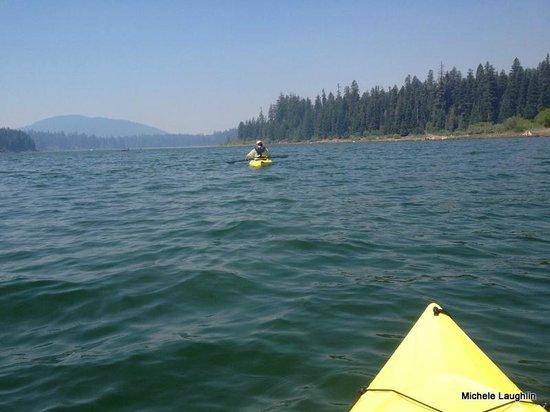 Fish Lake Resort: Kayaking on the Lake