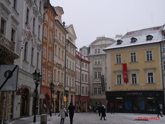 Hotel Mala Strana: A cidade parece cenográfica.