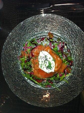 L'Hétéroclite : saumon mariné, crème au raifort