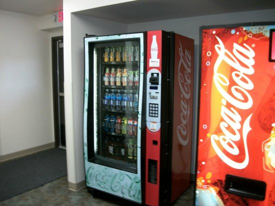 Howard Johnson Saint Robert Near Fort Leonard Wood: Vending machines