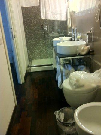 De Stefano Palace Luxury Hotel : salle de douche