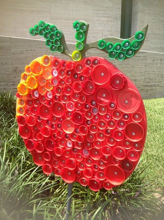 Appleton Museum of Art : Bottle cap Apple