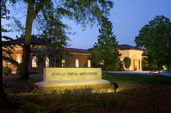 ‪Quinlan Visual Arts Center‬