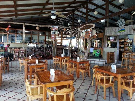 Mar y Luna: Restaurante y bar.