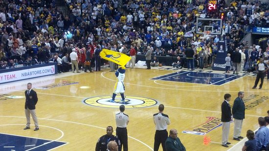 Bankers Life Fieldhouse: Mascot getting the crowd fired up.