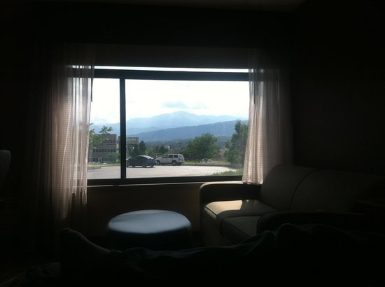 The Academy Hotel Colorado Springs: Amazing view of Pikes Peak Rm155