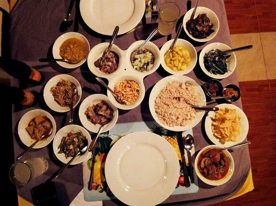 Rawana Holiday Resort : Curry for two