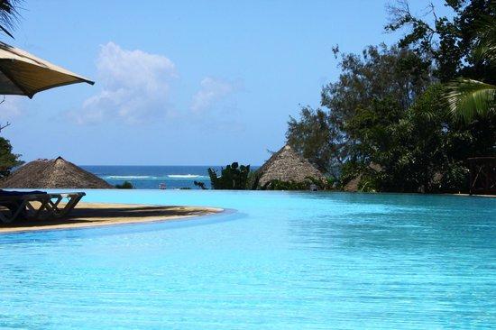 Baobab Beach Resort & Spa: Maridadi pool