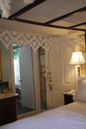 1837 Bed and Breakfast: Inside of Carriage House Rm 2