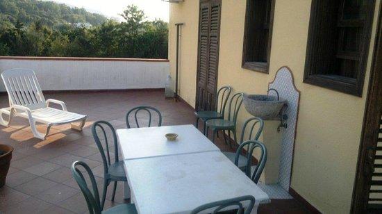 Villa Cerniglia B&B: Terrazzo della camera (condiviso con un altra camera)