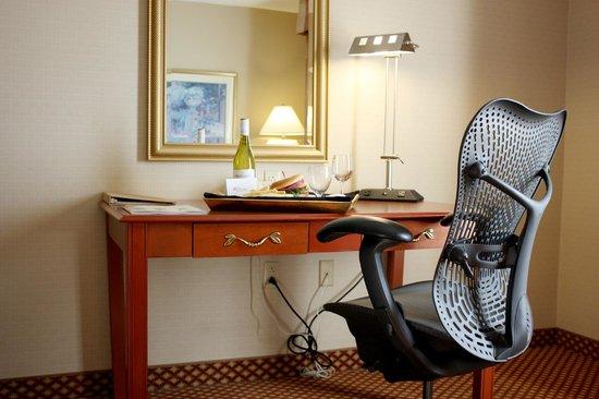 Hilton Garden Inn Albuquerque North/Rio Rancho: Guestroom business center