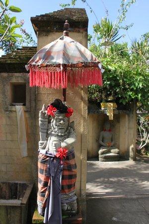 Mahagiri Panoramic Resort & Restaurant : Ingang