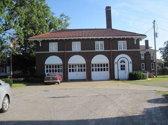 White Lace Inn : Carriage house