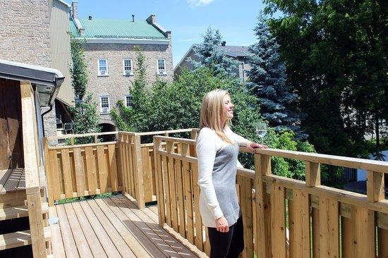 Merrickville Guest Suites: Sunrise Suite (#2) Deck