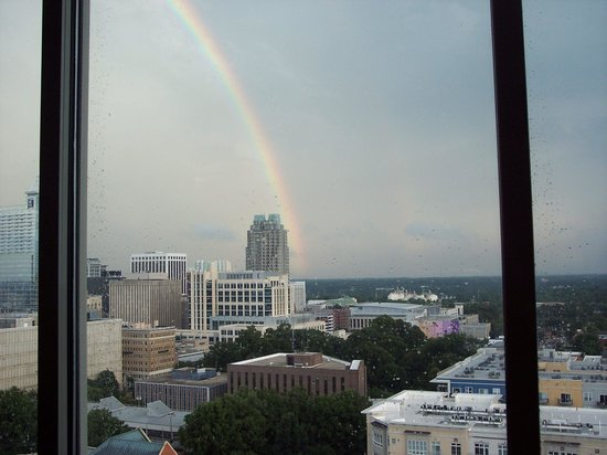 Holiday Inn Raleigh Downtown: A rainbow after we had dinner