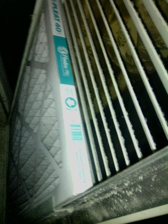 Hilton St Petersburg Bayfront: Air Filter was due to be replaced in March!