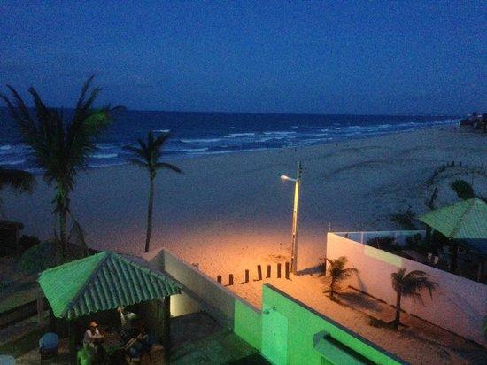 Pier85 Hotel: Vista noturna da minha sacada