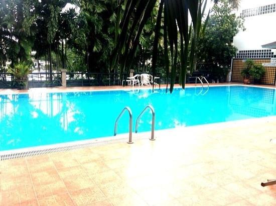 TK Palace Hotel : pool area of TK palace