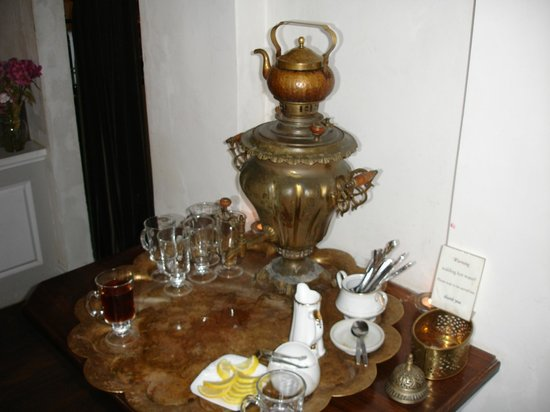 Museum of Jurassic Technology : Tula's Russian Tea room - don't miss this stop on your way to the top