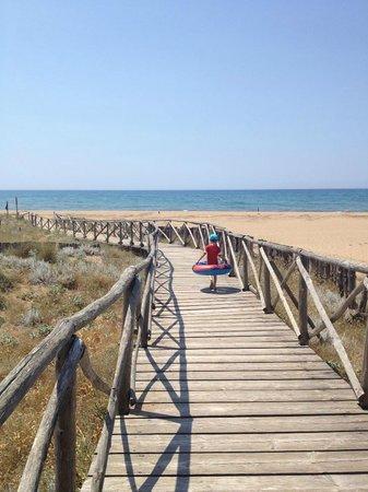 Is Arenas Camping Village : spiaggia del camping