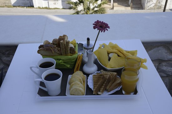 Katerina Mare: Breakfast for two