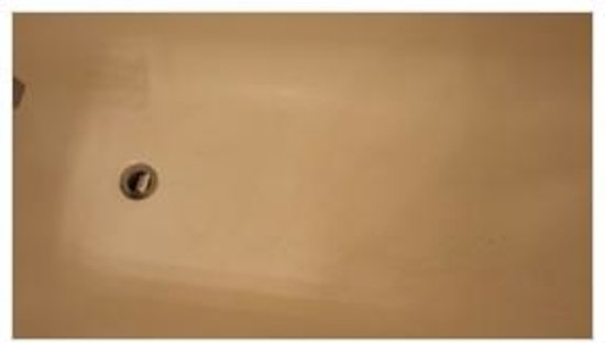 Anaheim Executive Inn & Suites: tub was discusting and not cleaned prior to check in