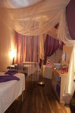A-list Salon & Spa: massage room
